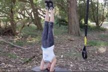 TRX для йоги: стойка на голове